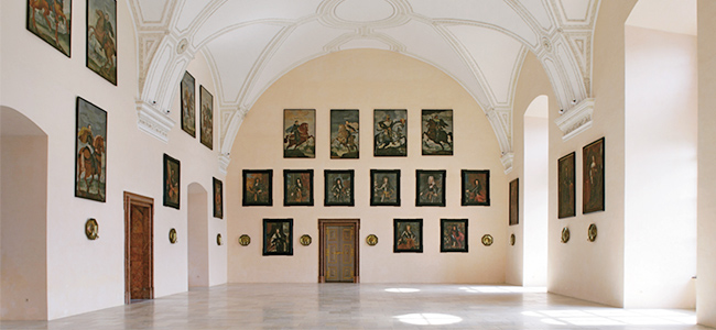 Der Rittersaal und die Schlosskapelle